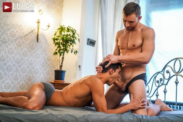 ANDREY VIC SPLITS RAY CROSSWELL IN TWO (BAREBACK)